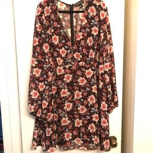 Forever21 + Long Sleeve Floral Dress size 3X